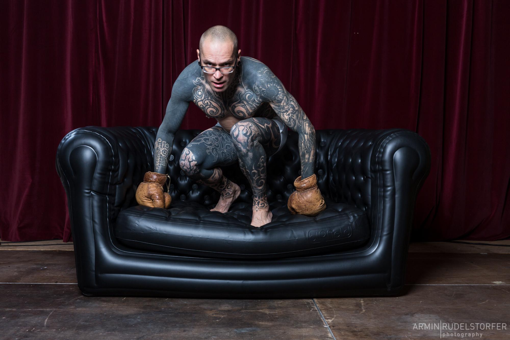 amanda palmer edwyn collins karl markovics auf der couch. Black Bedroom Furniture Sets. Home Design Ideas